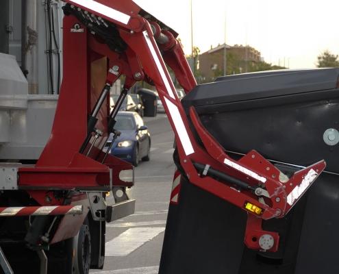 Dettaglio cassonetto e pesatura a bordo camion